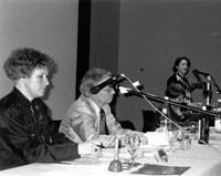 Symposium Ittingen. azw, Christoph Eggenberger (Pro Helvetia) und (stehend) Annette Schindler