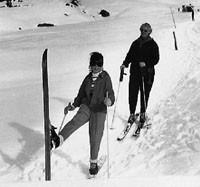 Annelise Zwez beim Skifahren