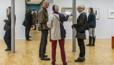 azw im Gespräch mit Pierre-Yves Petit-Terwey und seiner Frau im Neuen Museum in Biel